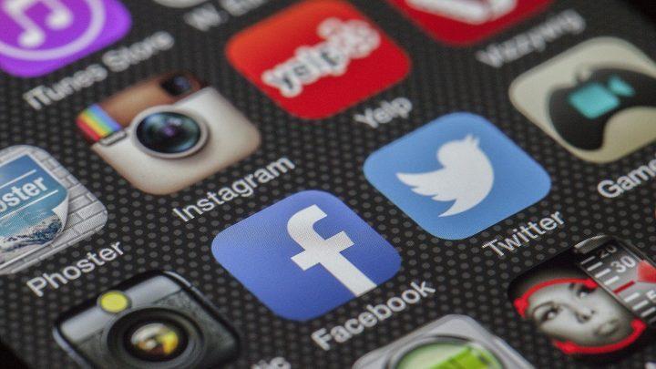 Facebook contro la disinformazione: chiuse 652 pagine